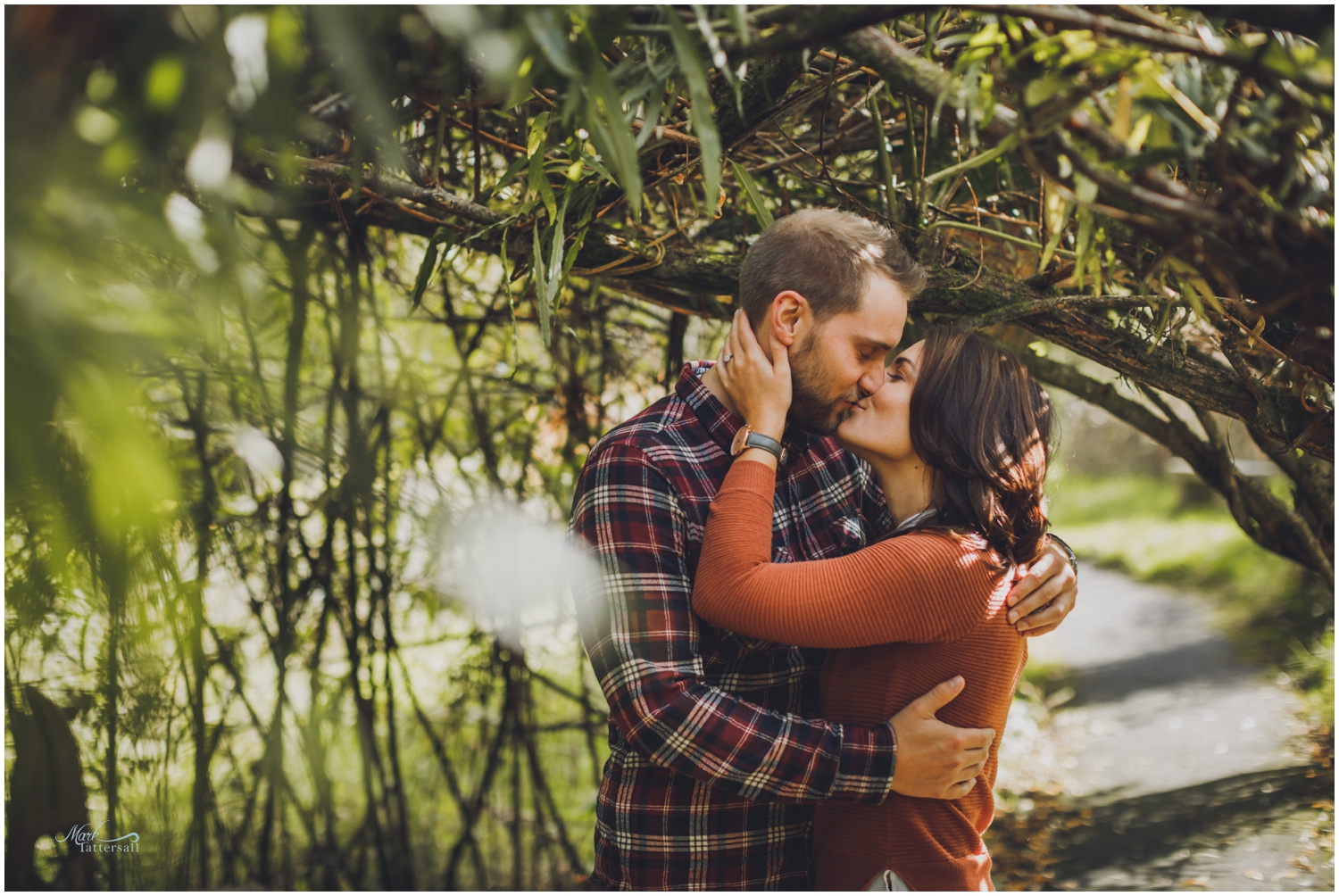 Couple posing tips Pre wedding shoot ideas - Mark Tattersall